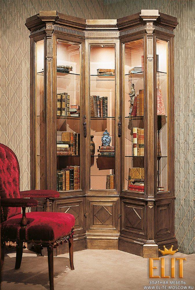 Шкаф витрина в гостиную - виды и примеры оформления.